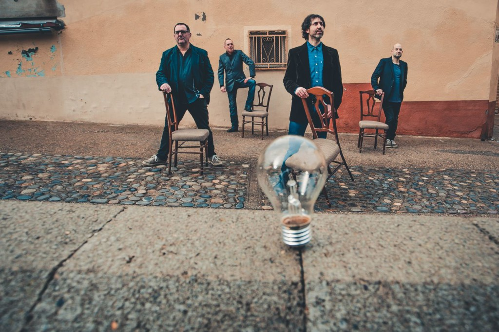 Mr. Copperpot presentará en directo en Mequinensa su primer disco, 'Entre luces rotas'