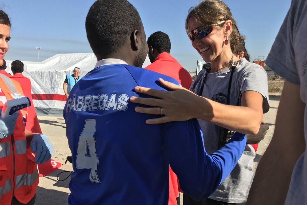 Las 87 personas rescatadas por Proactiva Open Arms llegan al puerto de Algeciras