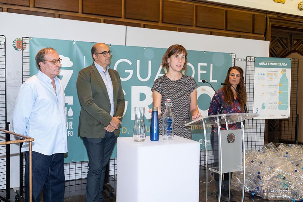 """""""En Zaragoza, Mejor del Grifo"""" lanza la botella solidaria para financiar proyectos en Centroamérica"""