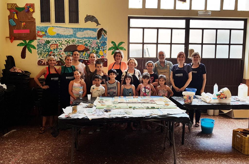 San Juan de Mozarrifar inaugura el mural colectivo del proyecto Barrios Extraordinarios