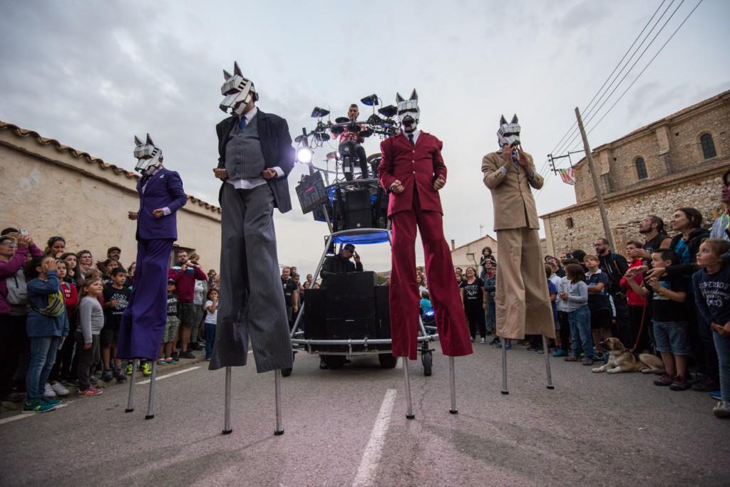 El público abarrota las calles de Pancrudo en una nueva edición del festival Gaire
