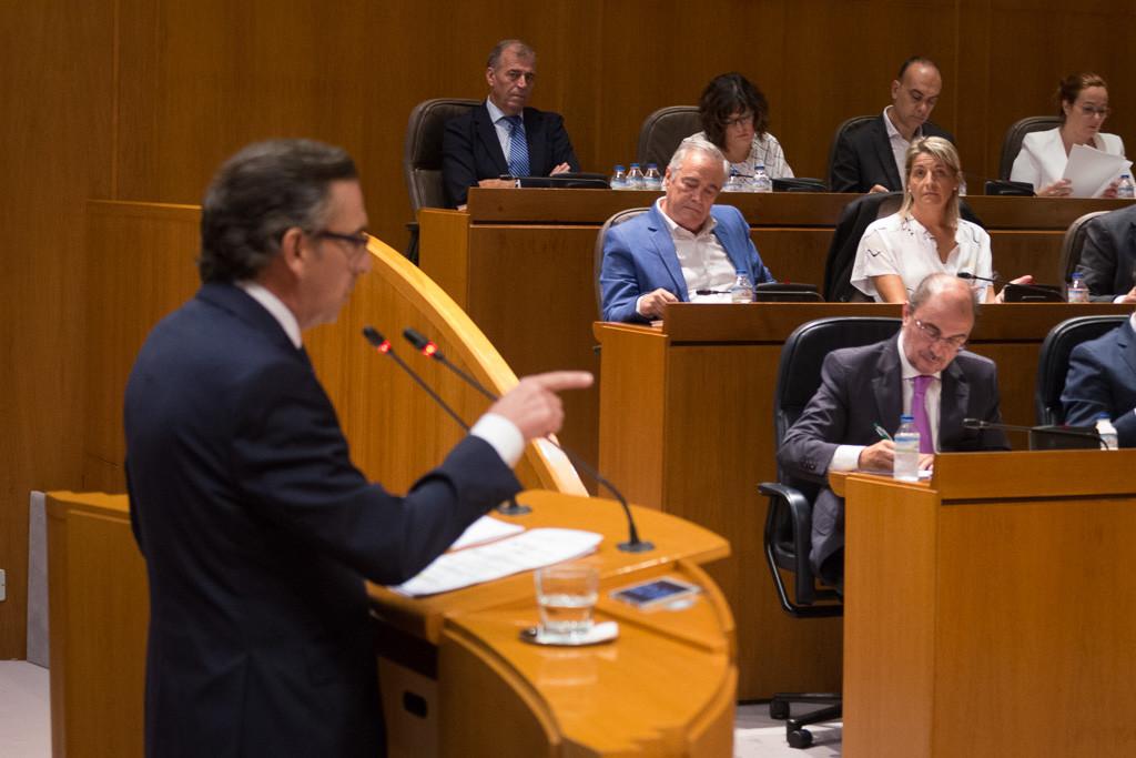 El cruce de acusaciones entre Beamonte y Lambán marca la segunda sesión del Debate sobre el Estado de Aragón