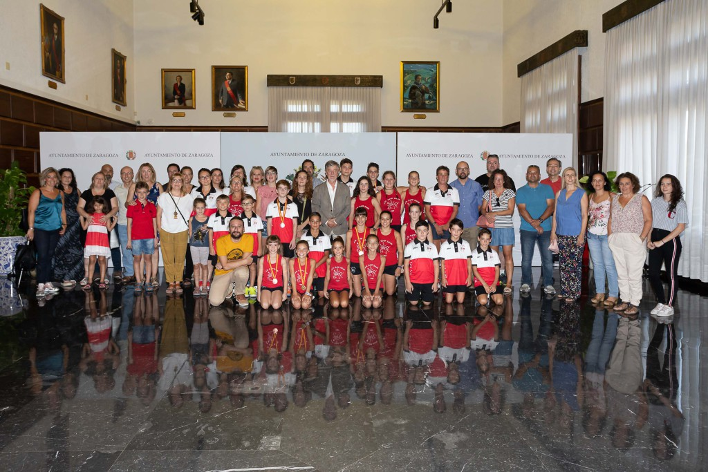 El Gobierno de Zaragoza se compromete a impulsar el proyecto para mejorar el equipamiento de gimnasia artística del CDM José Garcés