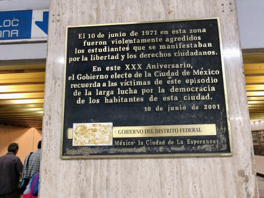 """CGT condena """"los ataques de grupos violentos conniventes con el poder"""" contra las manifestaciones estudiantiles en México"""