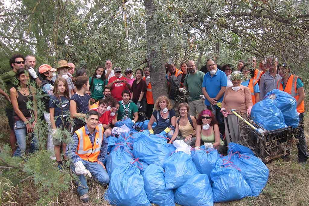 Unas veinte toneladas de toallitas llegan a la semana a las depuradoras de Zaragoza