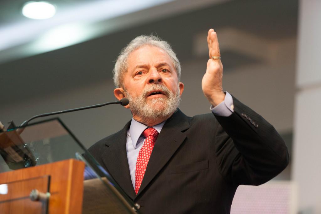 Lula renuncia a presentarse a las elecciones presidenciales de Brasil y anuncia al exministro Haddad como nuevo candidato del PT