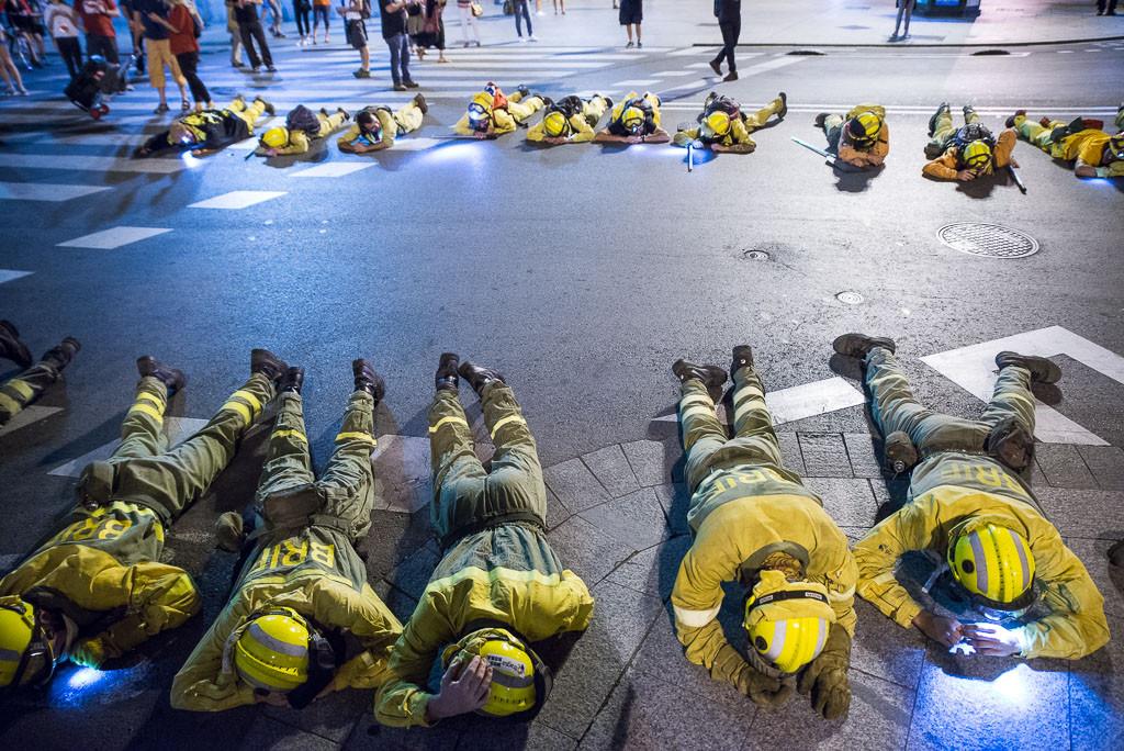 Las bomberas y bomberos forestales de la DGA han sufrido tres golpes de calor debido al sobreesfuerzo este verano