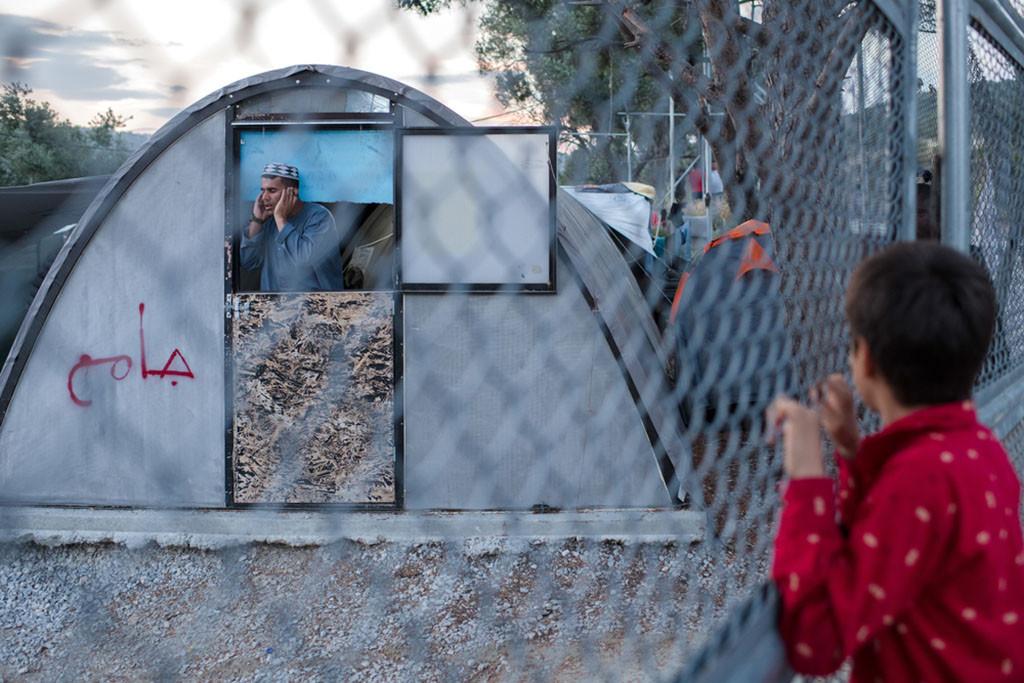 Aumentan los intentos de suicidio y autolesiones entre niños y niñas refugiadas atrapadas en el campo de Moria