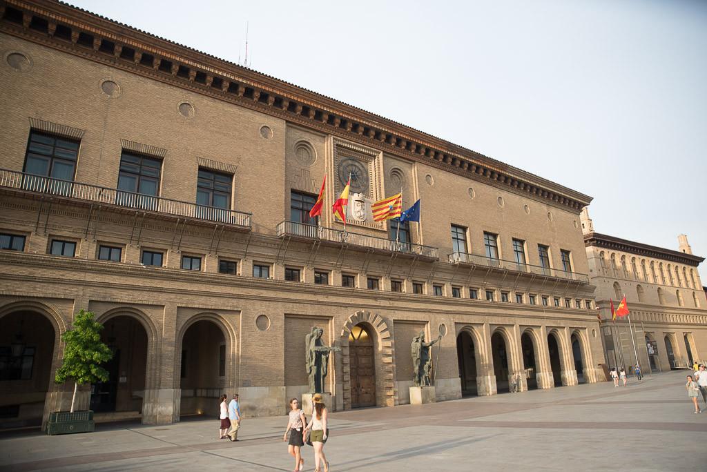 Las Brigadas de Arquitectura del Ayuntamiento de Zaragoza se concentran para pedir una subida salarial