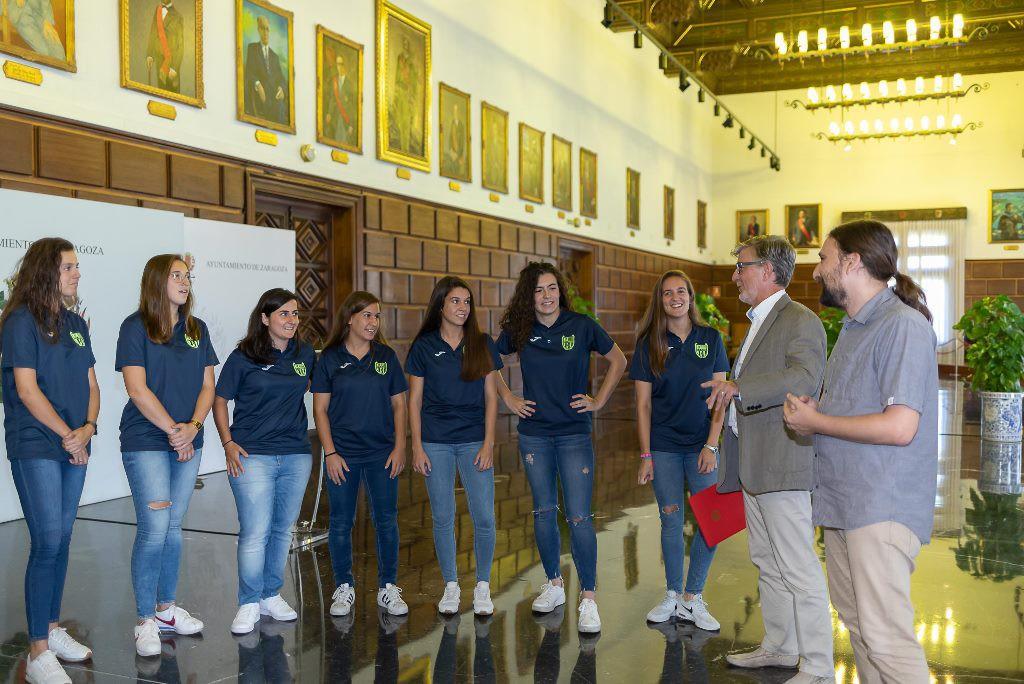 El Ayuntamiento de Zaragoza felicita al CD Oliver para su histórico ascenso a la Segunda División femenina