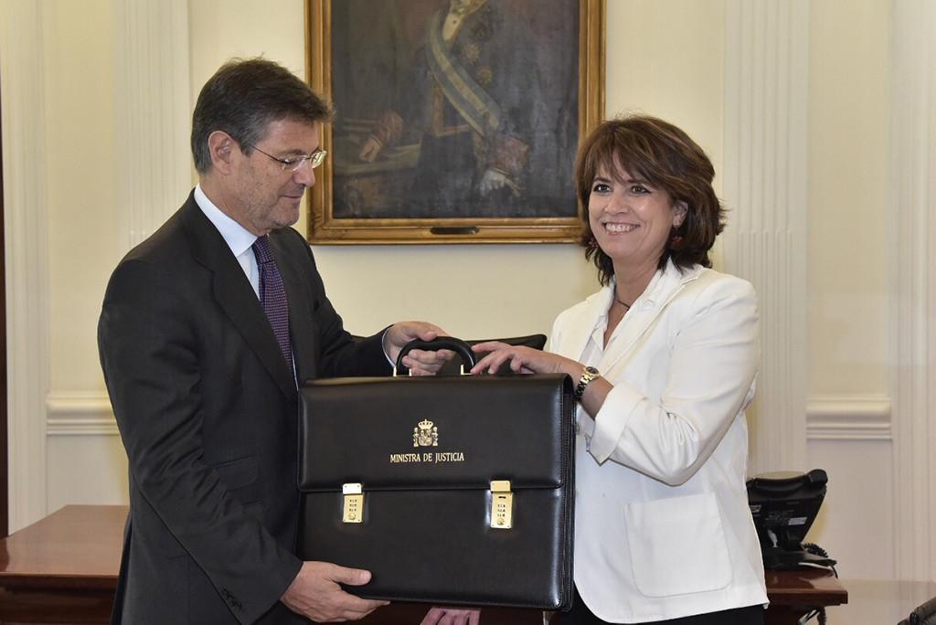 El Congreso español aprueba una petición que pide la dimisión o la destitución de Dolores Delgado