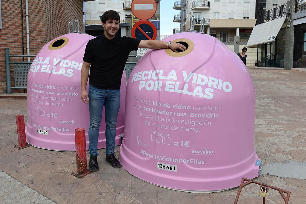 El Ayuntamiento de Alcanyiz se suma a la lucha contra el cáncer de mama