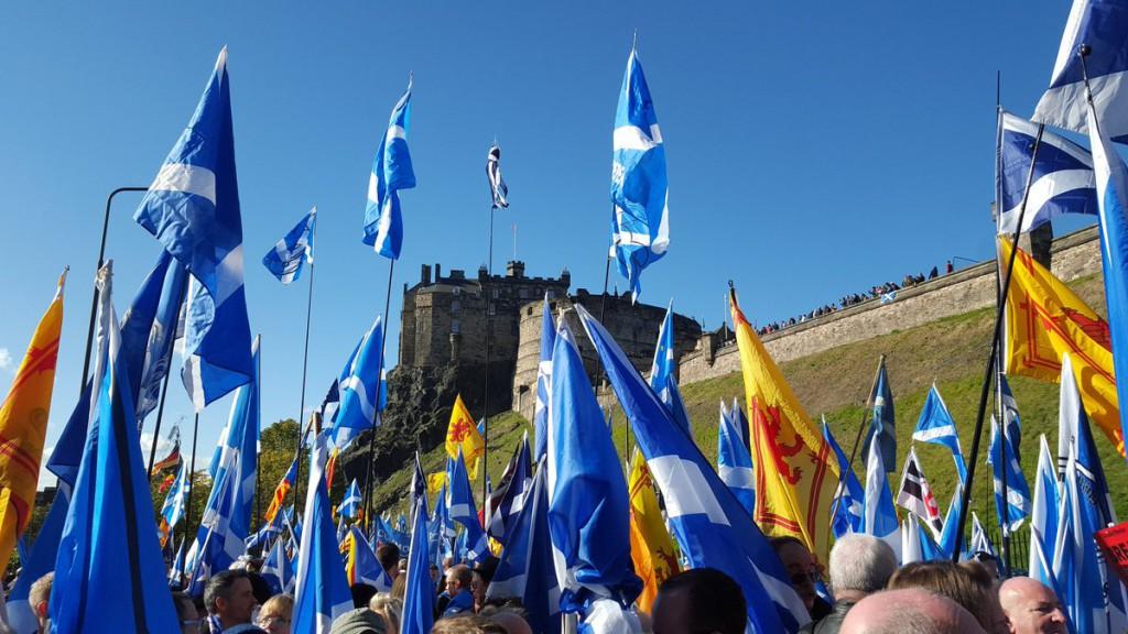 100.000 voces reclaman la celebración de un segundo referéndum por la independencia de Escocia, en una manifestación histórica