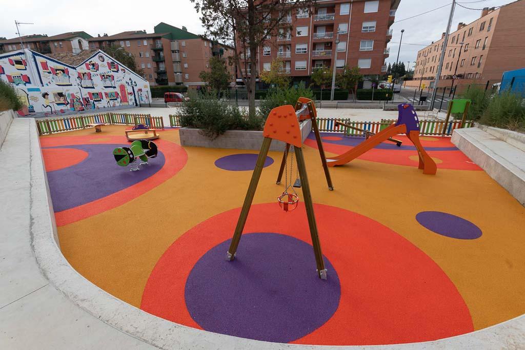 Miralbueno estrena una nueva zona de juegos infantiles