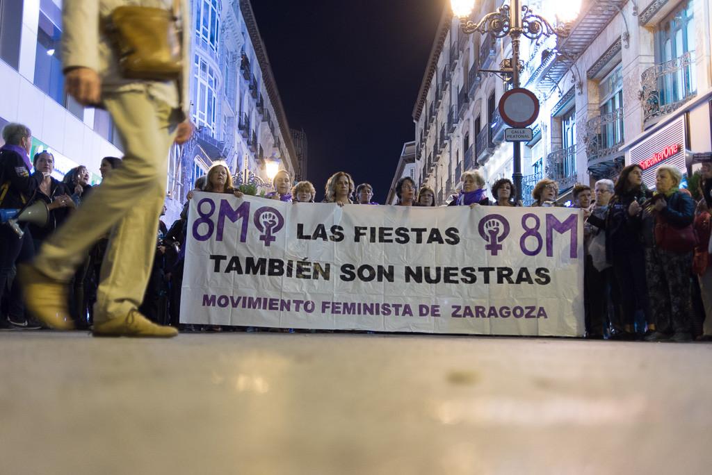 «Las fiestas también son nuestras»: el movimiento feminista vuelve a responder en las calles a las agresiones sexistas denunciadas en Pilares