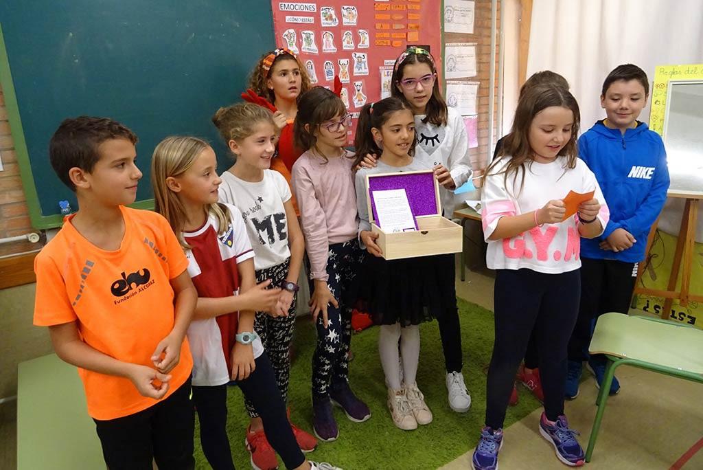 Uesca celebra el Día Internacional de la Niña con actividades en el CEIP Pedro J. Rubio