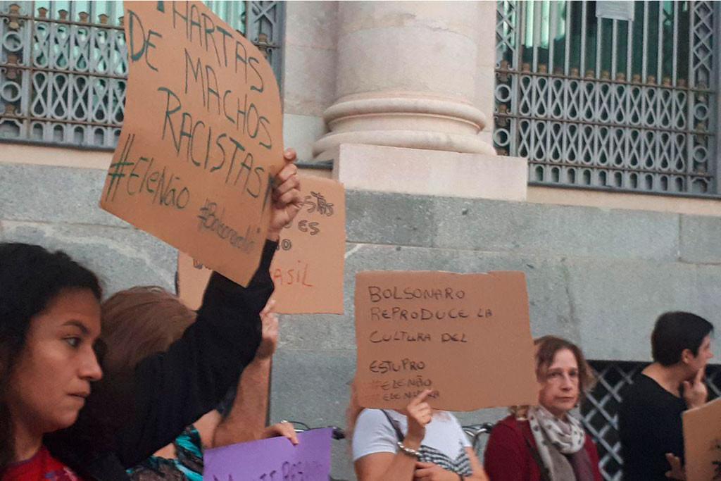 Zaragoza se une al movimiento de 'Mulheres contra Bolsanaro' para denunciar el aumento del fascismo en Brasil