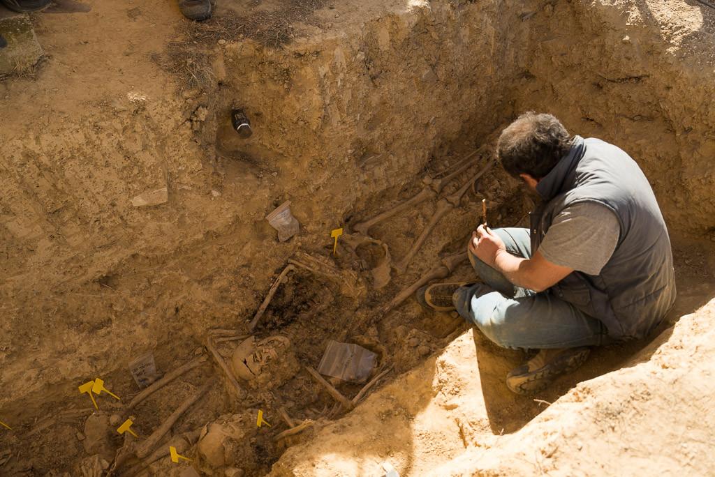 Exhumadas cuatro víctimas de la represión franquista en Uesca
