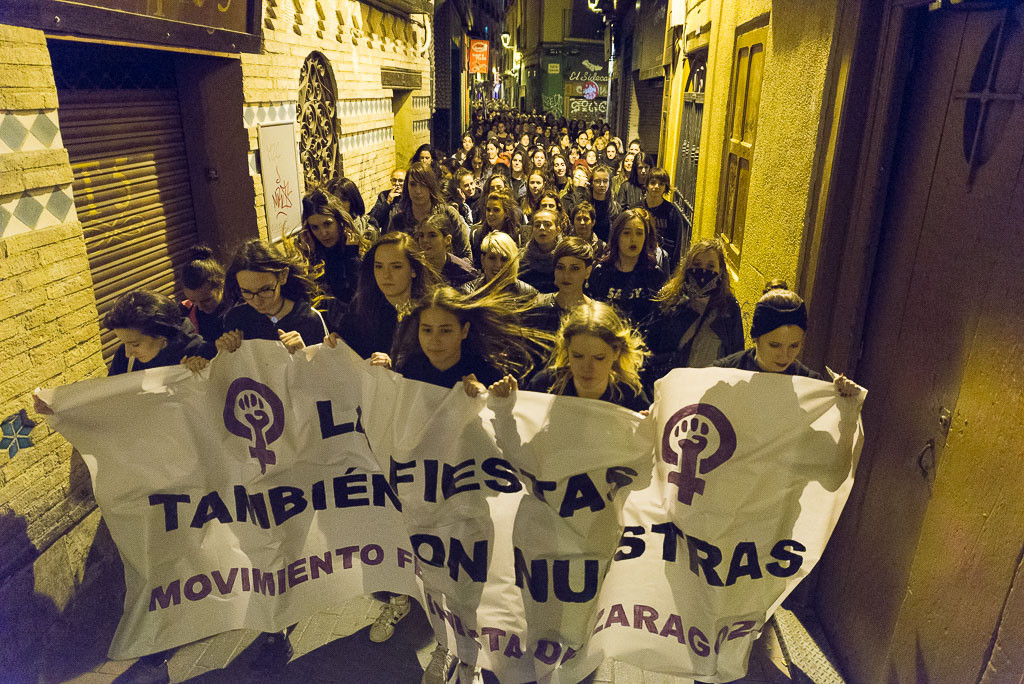 «La calle y las fiestas también son nuestras»: marcha nocturna por unos Pilares sin agresiones sexistas