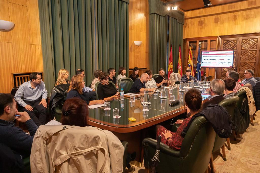 Una veintena de entidades sociales de Zaragoza se interesan por el Plan de Inversiones en Vivienda (2018-2023)