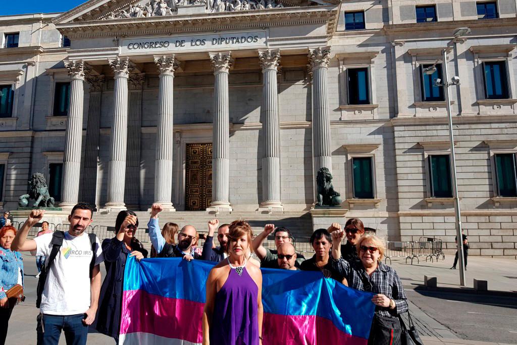 La Plataforma Trans pide la salida del Partido Feminista de IU tras la publicación de unos comentarios tránsfobos