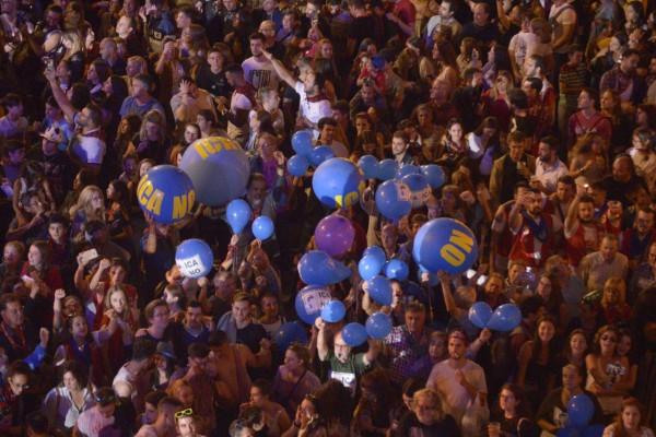 Globos contra el ICA. Foto: Pablo Ibáñez (AraInfo)