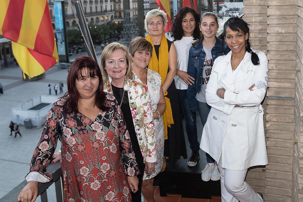 La entrega de las distinciones, la Cabalgata en femenino y el pregón con siete voces de mujer darán inicio a los Pilares 2018