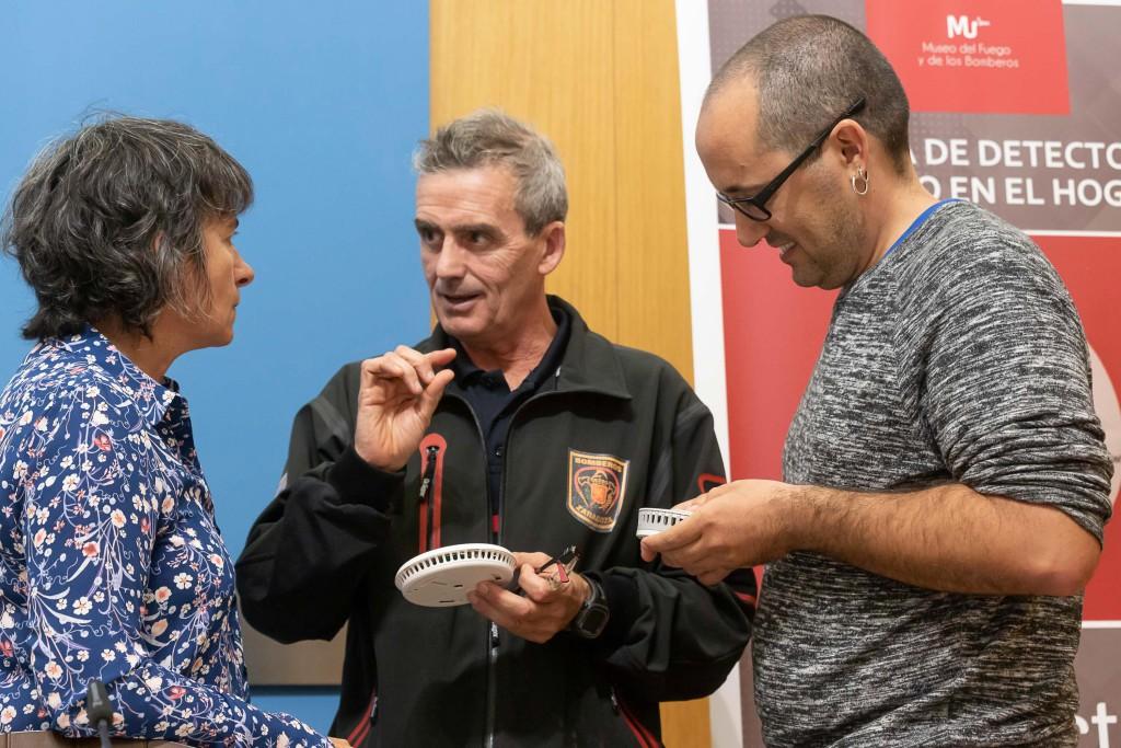 El Ayuntamiento de Zaragoza instalará más de medio millar de detectores de humo en hogares de personas mayores