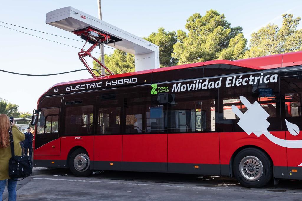 Zaragoza estrena en pruebas un nuevo bus eléctrico con carga superior