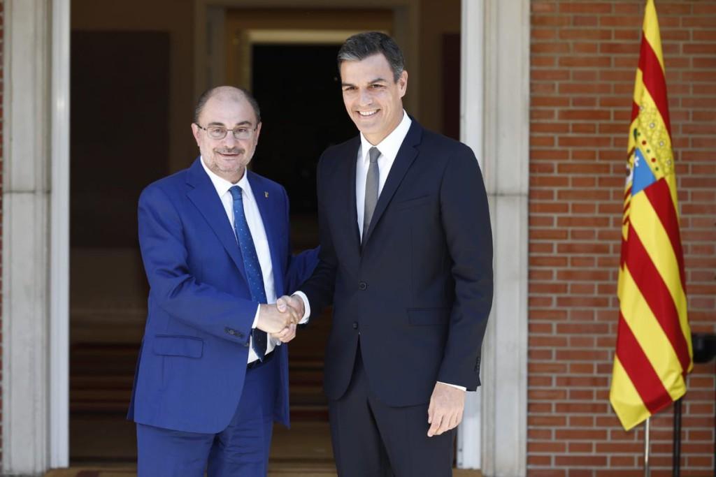 Javier Lambán afirma que ha arrancado un compromiso de Pedro Sánchez con el Corredor Cantábrico-Mediterráneo