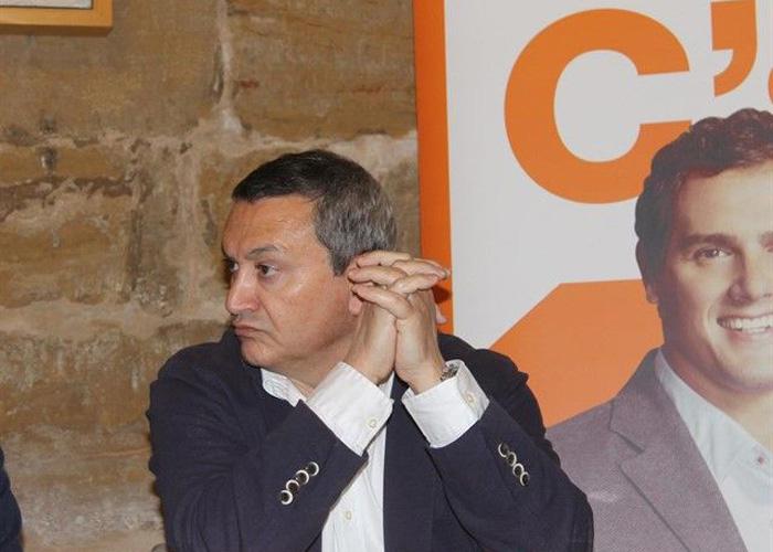 Suspenden al concejal de Ciudadanos en Alcanyiz, Joaquín Galindo, por sus comentarios machistas en el Pleno