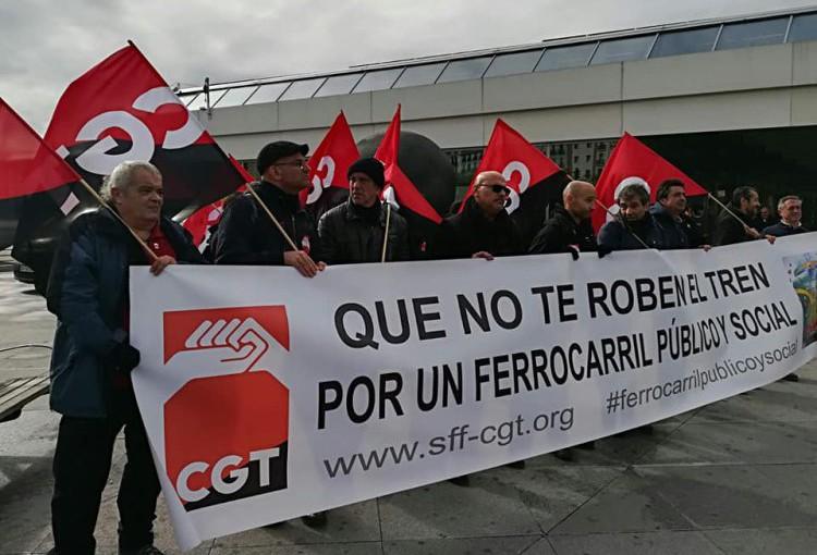 """CGT denuncia """"malas prácticas"""" de Renfe y destaca la normalidad en el desarrollo de la jornada de huelga por parte de la plantilla"""