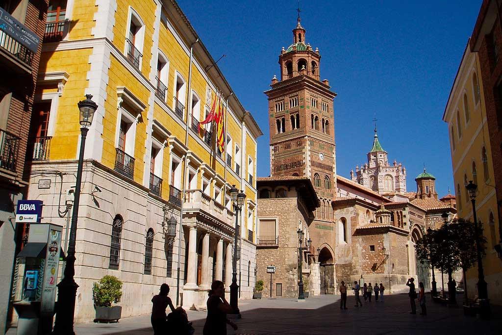 Ganar Teruel exige que el ayuntamiento ponga en funcionamiento la recogida selectiva en el Centro Histórico