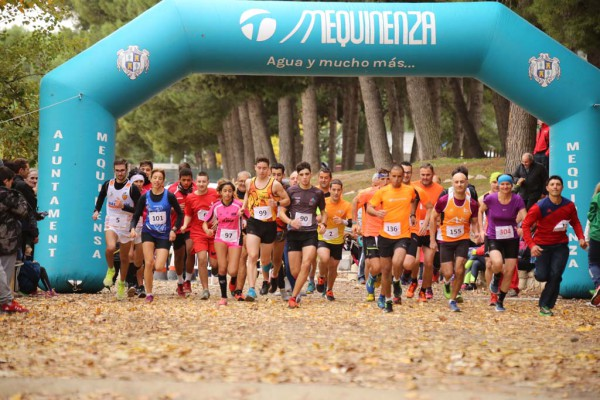 La lluvia no ha desaminado a los 200 participantes que han tomado parte en el IV Cross Villa de Mequinensa