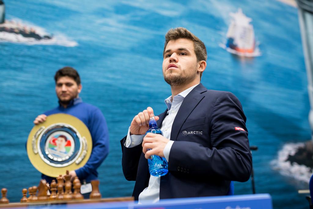 Magnus Carlsen consigue ante Fabiano Caruana revalidar su título de campeón del mundo de ajedrez