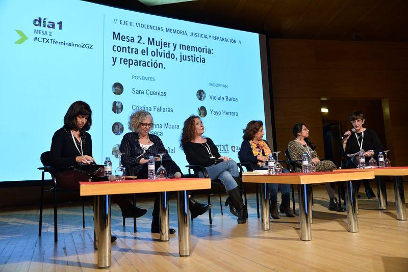 Denuncia, sororidad y minorías se encuentran en la mesa redonda 'Mujer y memoria: contra el olvido, justicia y reparación'