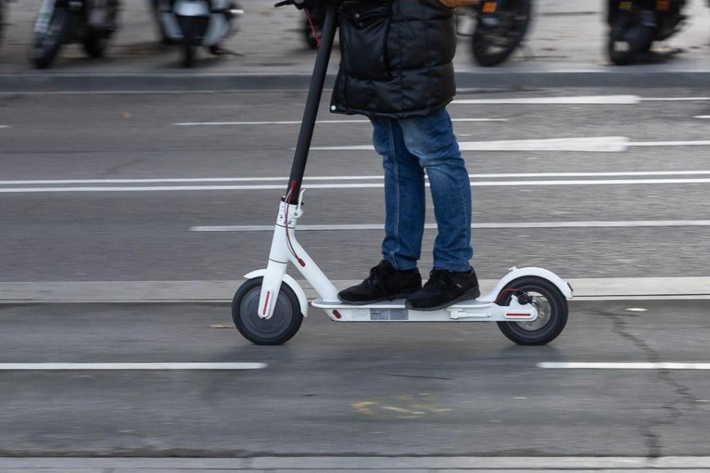 Aprobadas las condiciones para conceder licencia a empresas de patinete compartido en Zaragoza