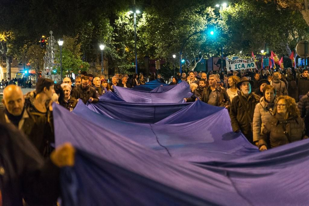 Más de mil personas se manifiestan en Zaragoza contra «el ICA de Lambán»