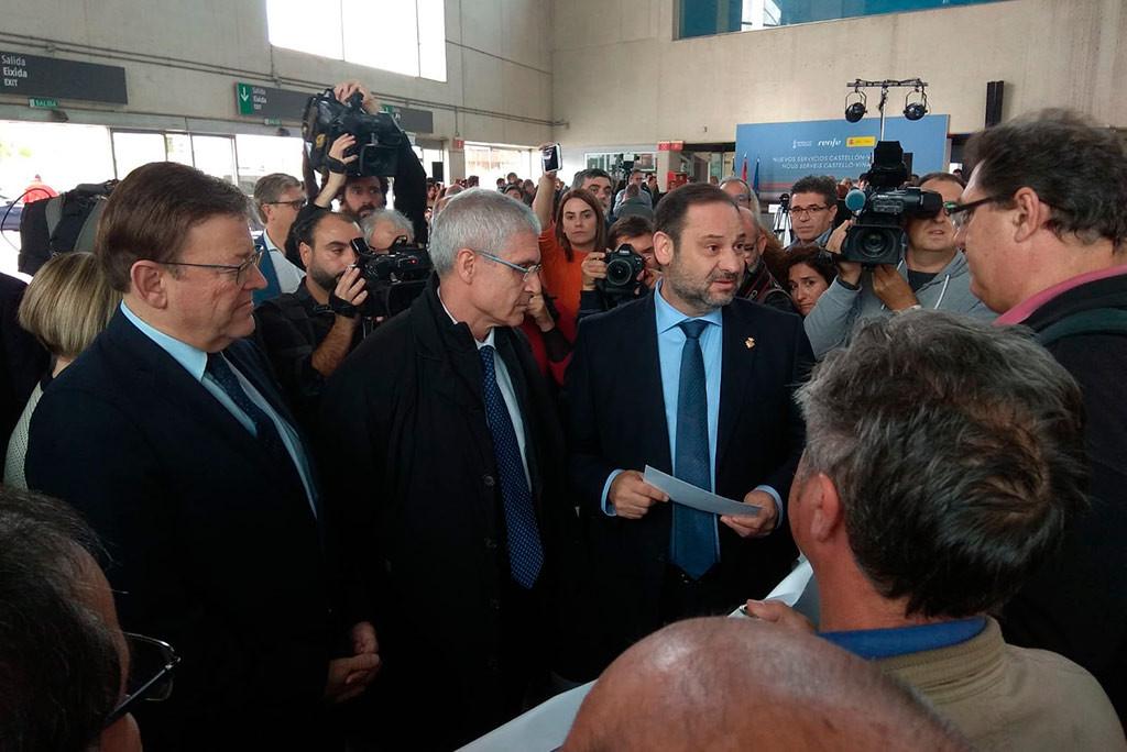 """CGT entrega una carta al Ministro de Fomento en la que exige abandonar la """"vorágine del todo AVE"""""""