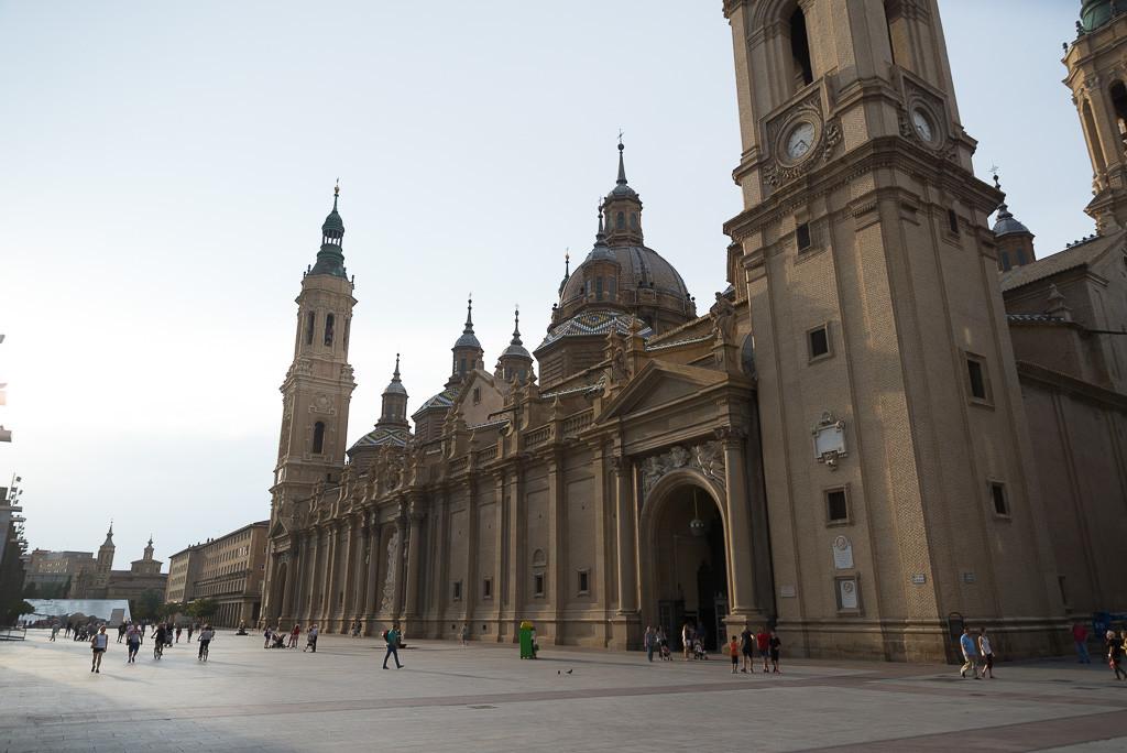 CGT pide responsabilidades por enaltecimiento del fascismo en la Basílica del Pilar