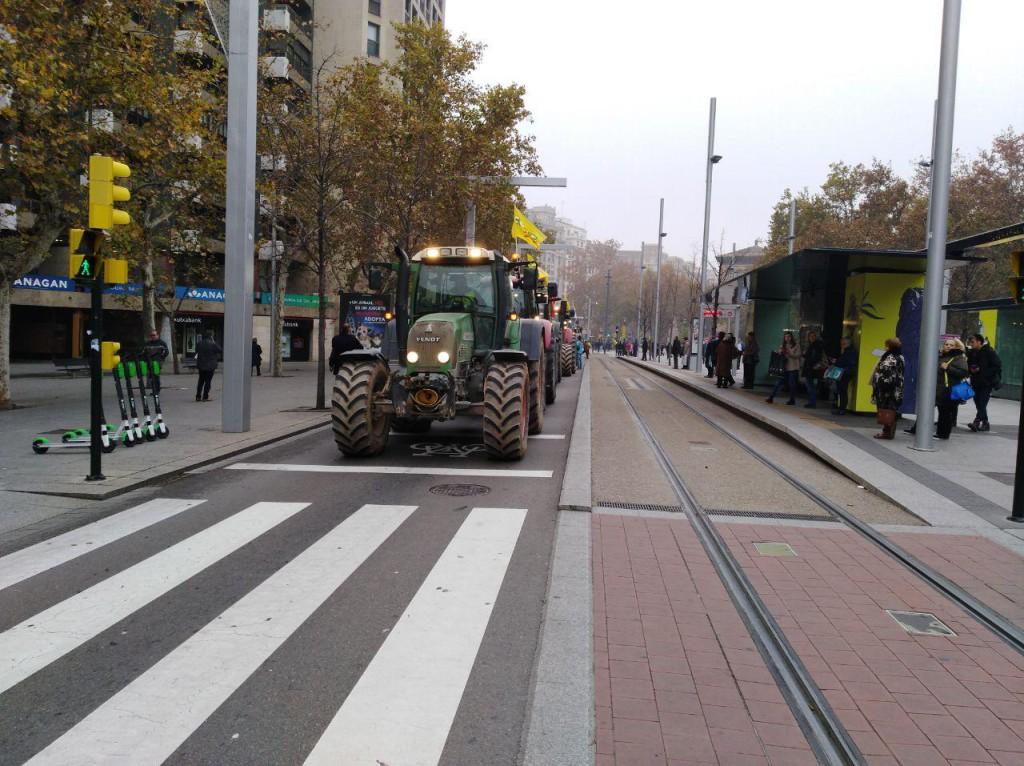 20181205 Zgz protesta tractores foto @pabloibasi AraInfo 2