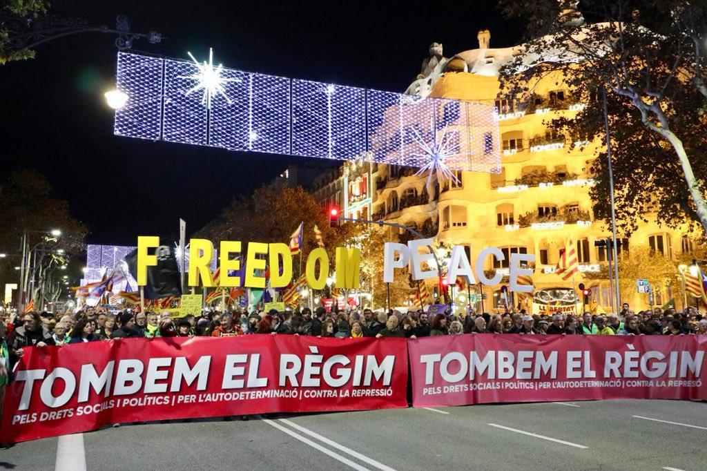 """🔴 El movimiento independentista responde en las calles y carreteras de Catalunya y anuncia nuevas movilizaciones """"para recuperar la soberanía"""""""