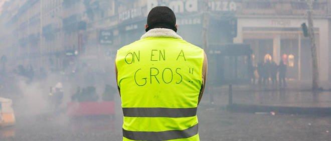 """Más de un millar de personasdetenidas, gases lacrimógenos y cargas policiales, en una nueva jornada de protestas de los """"chalecos amarillos"""" con 125.000 manifestantes en las calles"""