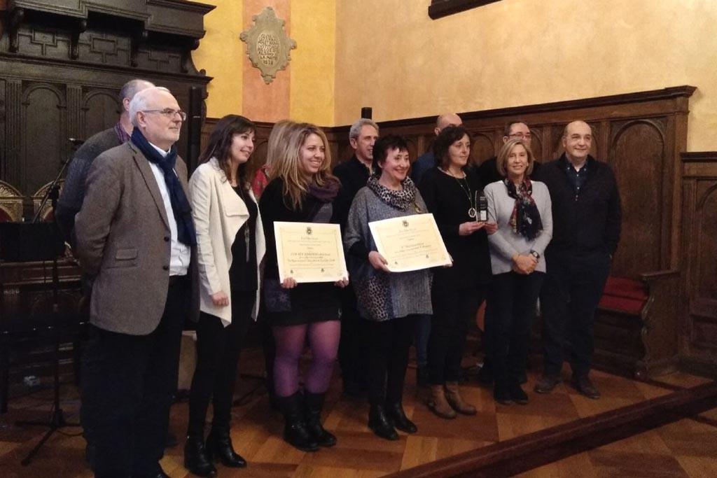 Elena Gusano Galindo y el CRA Alta Ribagorza recogen los premios Pedro Lafuente