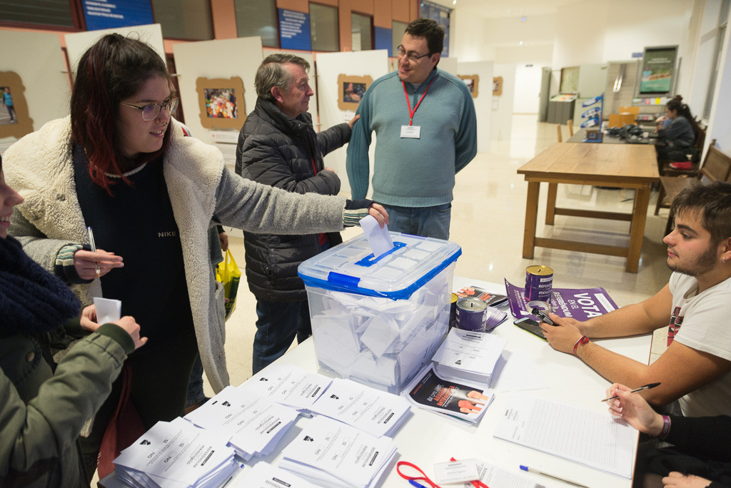 Referendum unizar_foto- Pablo Ibáñez-3