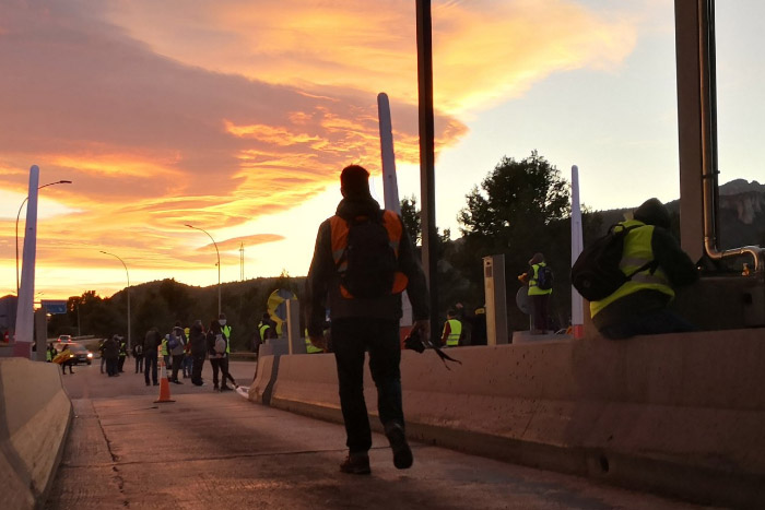 Los CDR levantan las barreras de una docena de peajes en autopistas catalanas