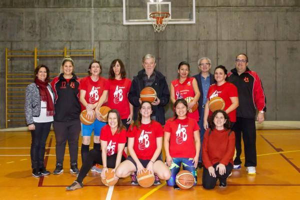 'Directas al aro': un proyecto municipal que aúna deporte, empoderamiento e inclusión social