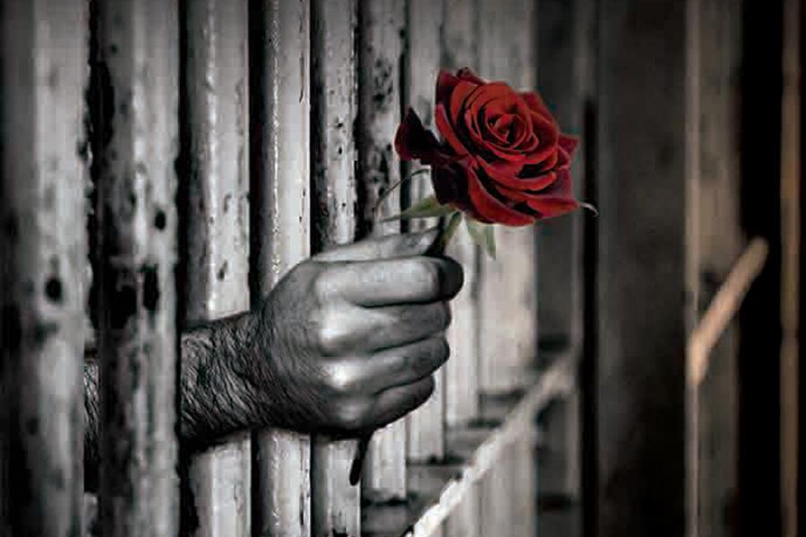 Un libro revela el censo completo de presas y presos políticos en Torrero entre 1958 y 1977