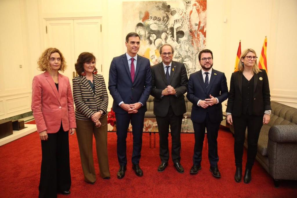Pedro Sánchez y Quim Torra acuerdan encontrar una solución política que cuente con un amplio apoyo de la sociedad catalana