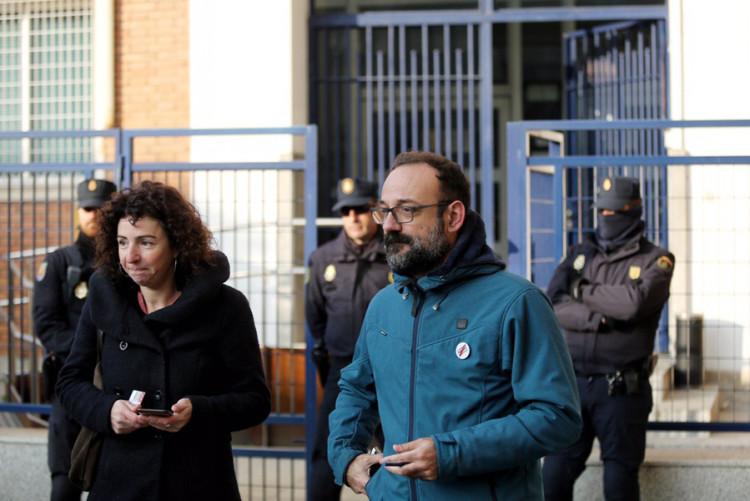 Dos alcaldes i nou activistes detingudes en una operació de la Policia Nacional espanyola a Catalunya